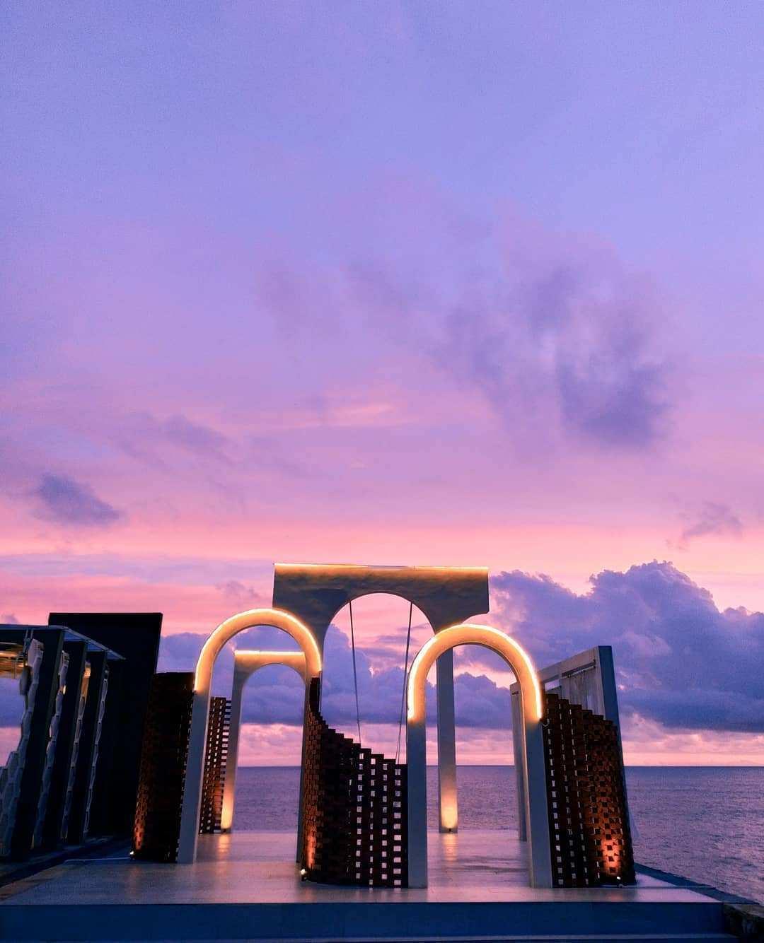 Spot Foto Pinggir Pantai di HeHa Ocean View Jogja Image From @hafis_irfan_r