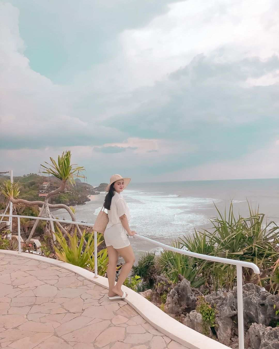 View di South Shore Jogja Image From @its.elvireal