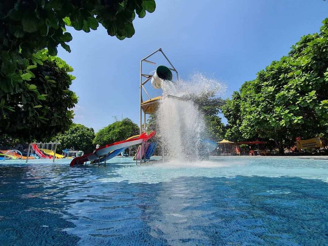 Wahana Ember Tumpah di Planet Waterboom Subang, Image From @planetwaterboom