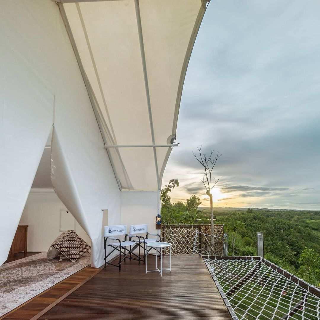 Balkon di Giri Wanara Camping Resort Jogja Image From @Wunung_gsk