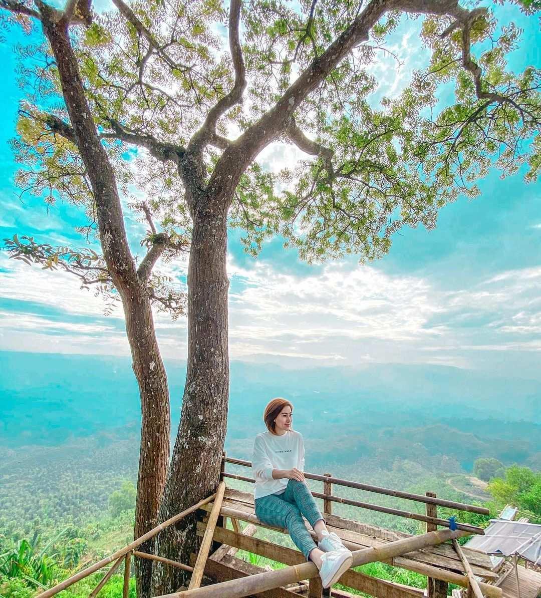 Gardu Pandang di Bukit Puji Ningrum Tasikmalaya Image From @c1ng.fangky