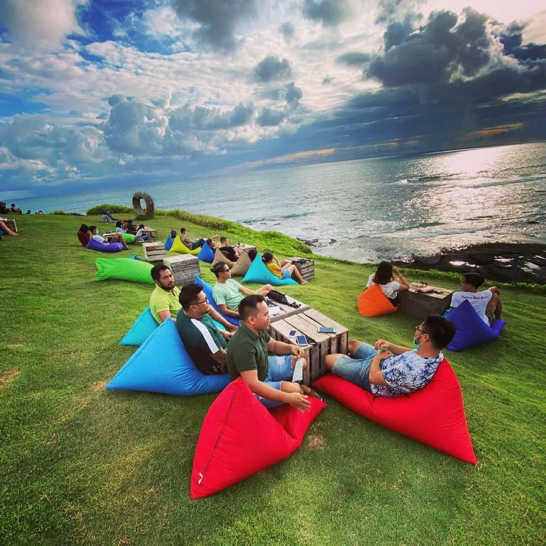 Nongkrong di Pantai Cinta Kedungu Bali Image From @fahrezi_udo