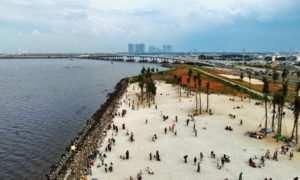 Pantai Pasir Putih Di Jakarta Dilihat Dari Atas Image From @sutanmazhar