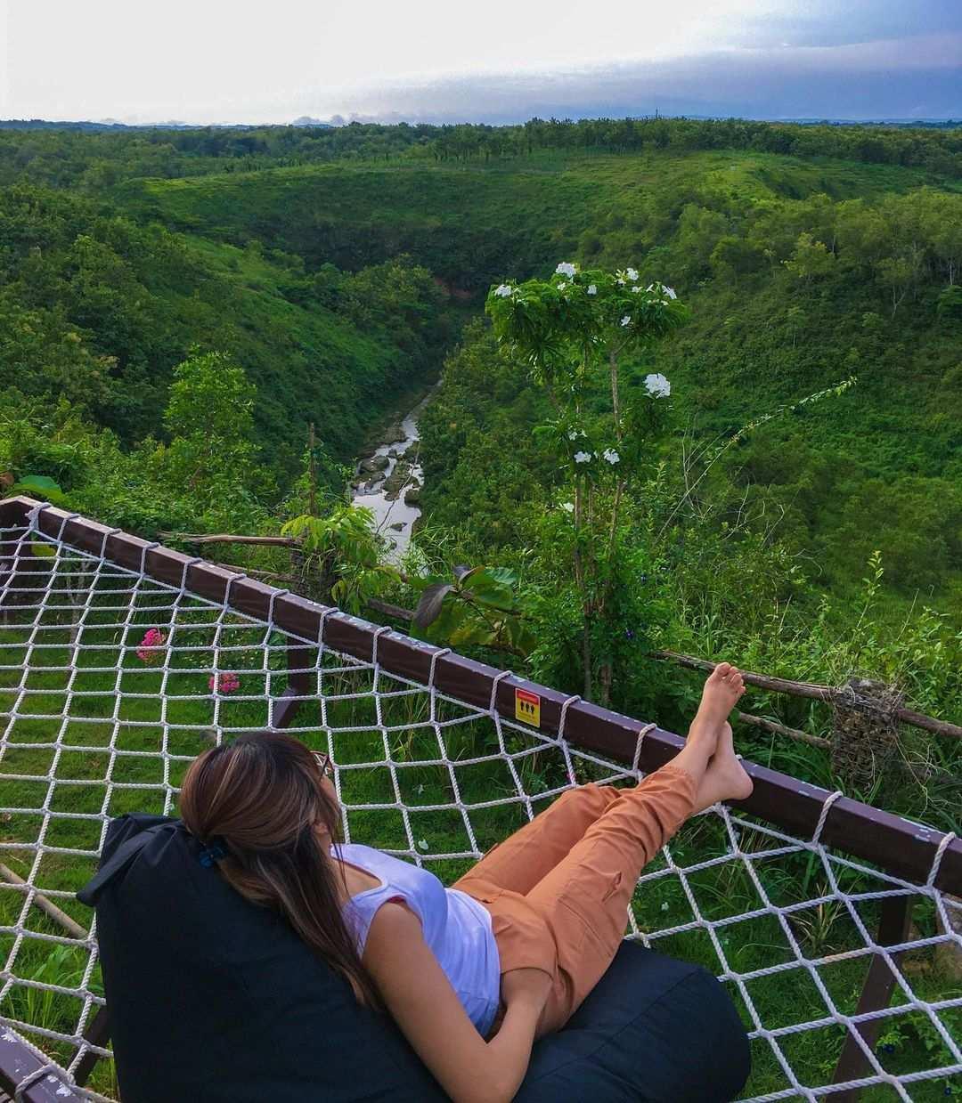 Pemandangan Sungai dan Alam dari Giri Wanara Camping Image From @luistride
