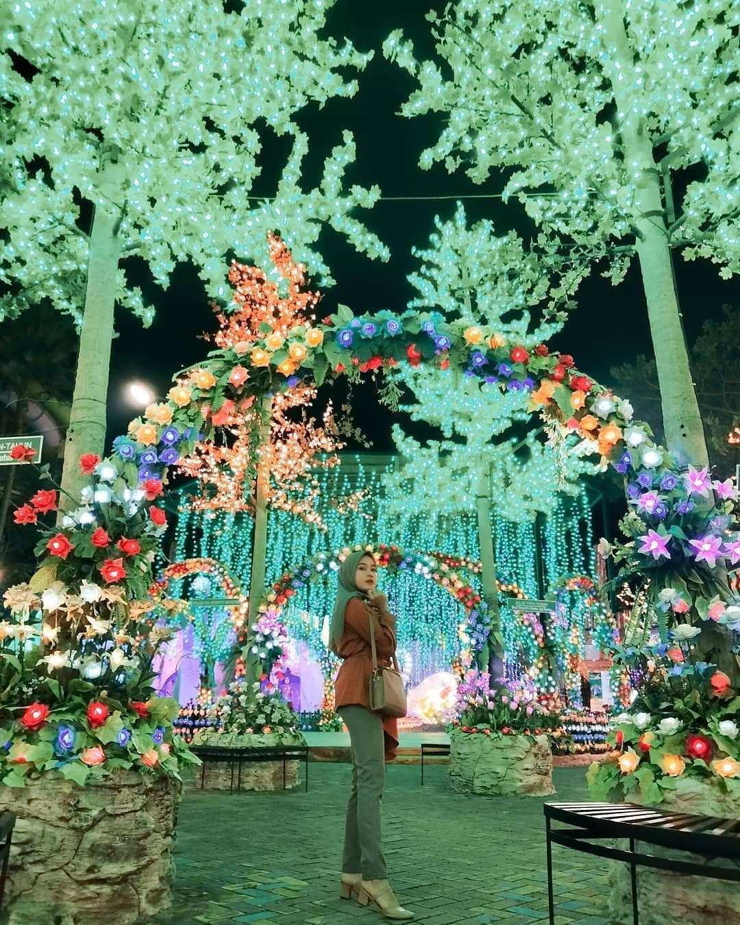 Taman Lampu di Malang Night Paradise Image From @rikadiann