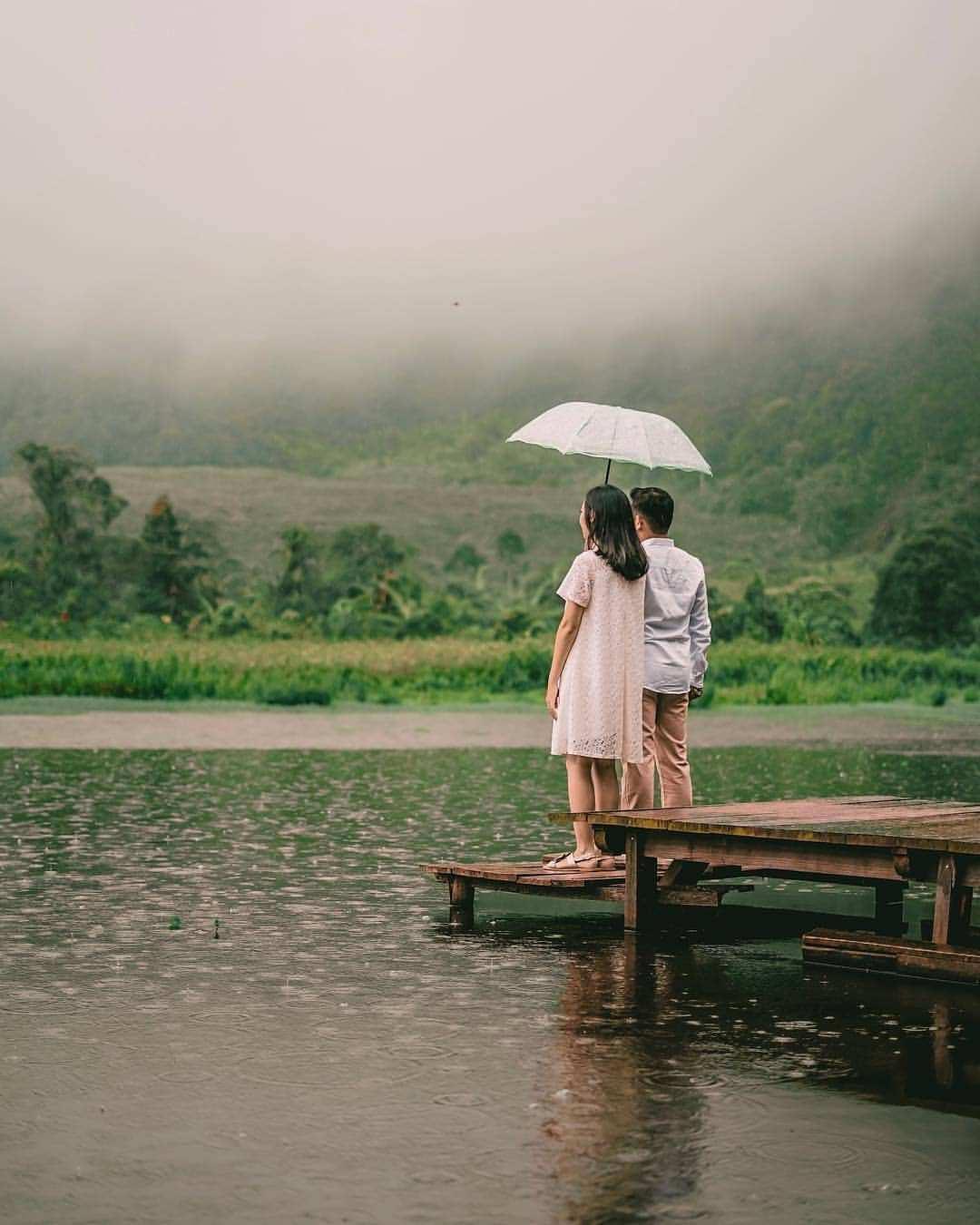 Berfoto di Telaga Saat Puncak Bogor Image From @anaaan17
