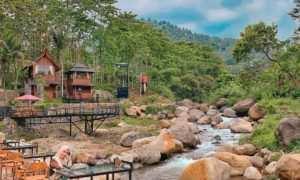 Bersantai Di Pendopo Ciherang Bogor Image From @delviyenty