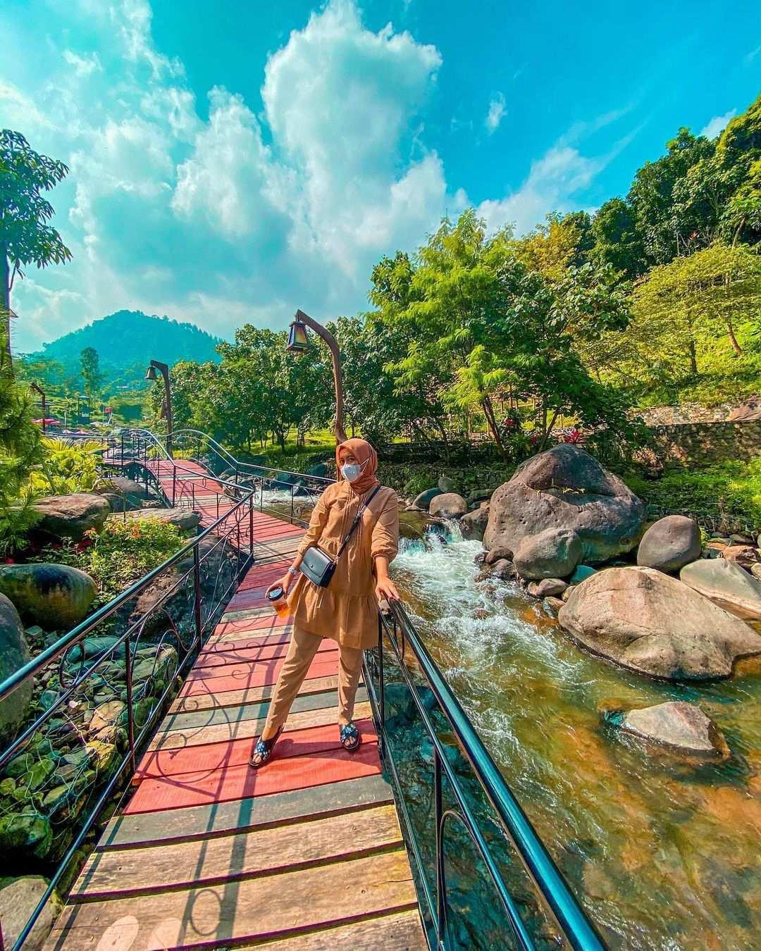 Pemandangan Indah di Pendopo Ciherang Bogor Image From @radenintan_