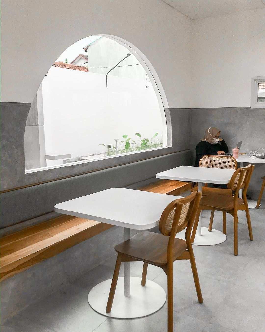 Ruangan Indoor Kopi Snama Solo Image From @cafebyastery