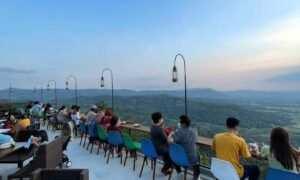 Melihat Pemandangan Di Obelix Hills Jogja Image From @gamarosi_