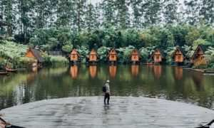 Pemandanga Danau Di Dusun Bambu Bandung Image From @rhy Ndra_