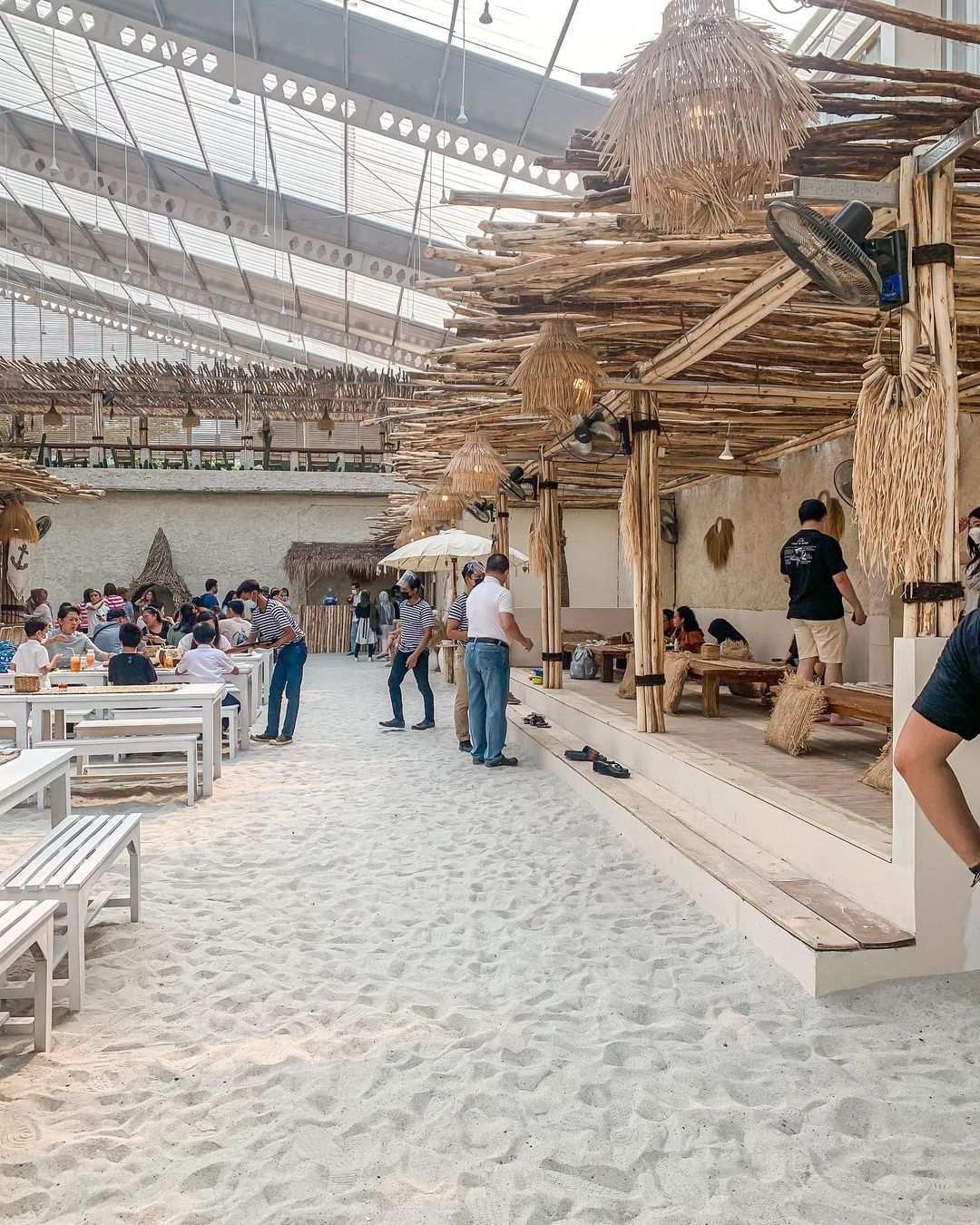 Suasana Pengunjung di Hey Beach Image From @stellaoctavius