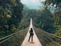Berfoto di Jembatan Gantung Situ Gunung Image From @mutiara_bertha 200x150