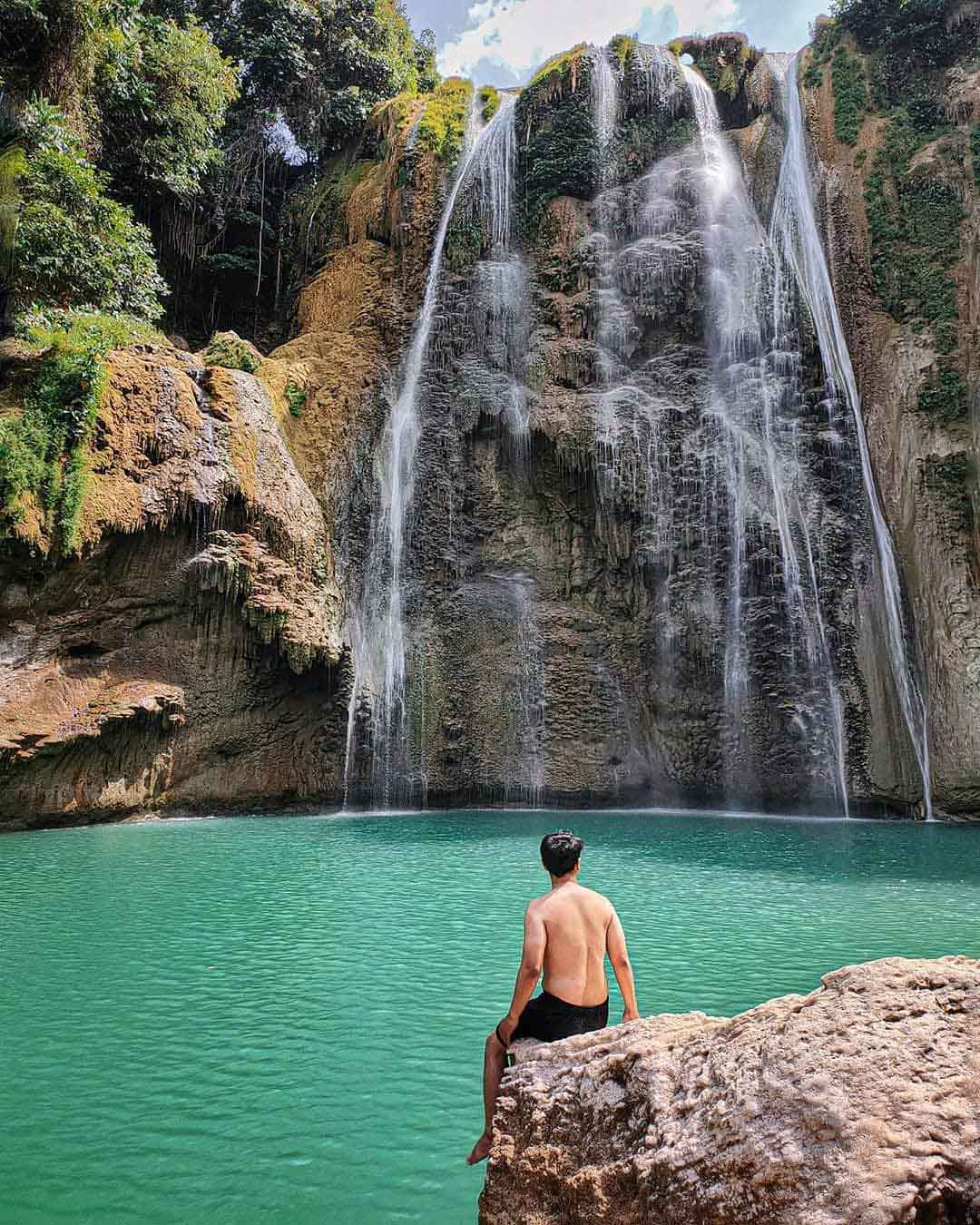 Kolam Yang Ada Di Bawah Air Terjun Tuban Image From @brillyart