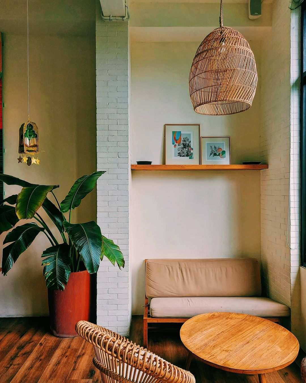 Bagian Indoor La Boheme Cafe Image From @mvxmllnwlly