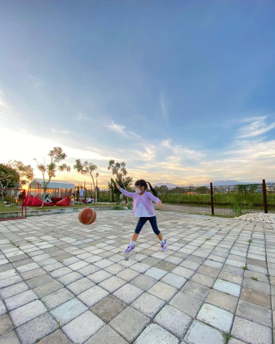 Anak Bermain Basket Di Critical 11 Bandung Image From @amerigantini