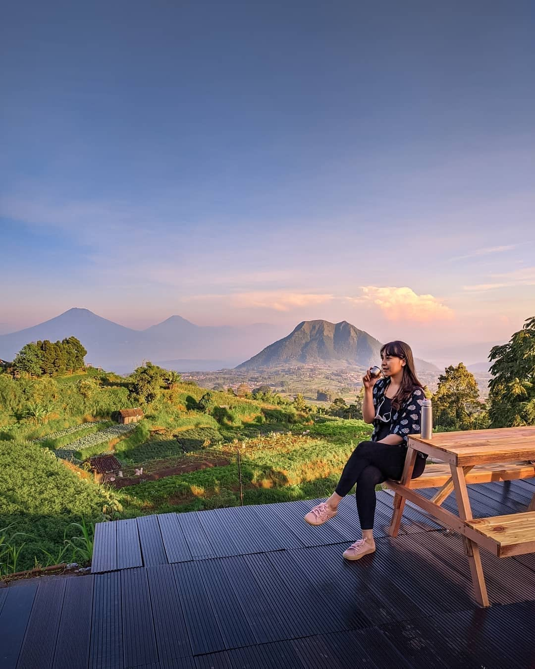 Bersantai Di Merbabu View Cafe Kopeng Semarang Image From @d Papang