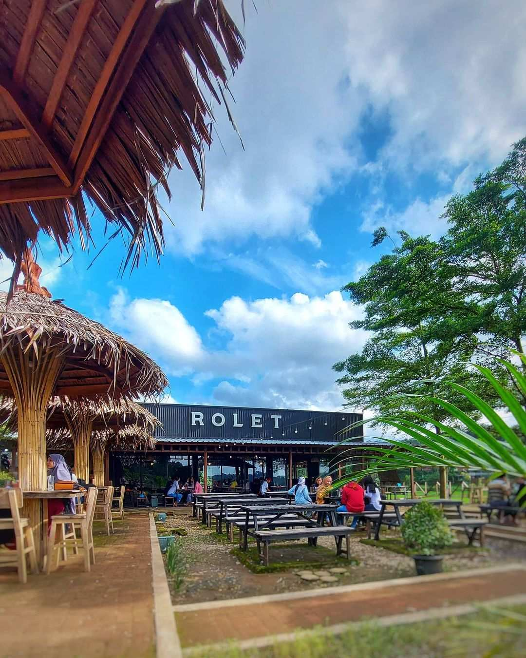 Cafe Rolet View Jepara Image From @caferolet_jepara