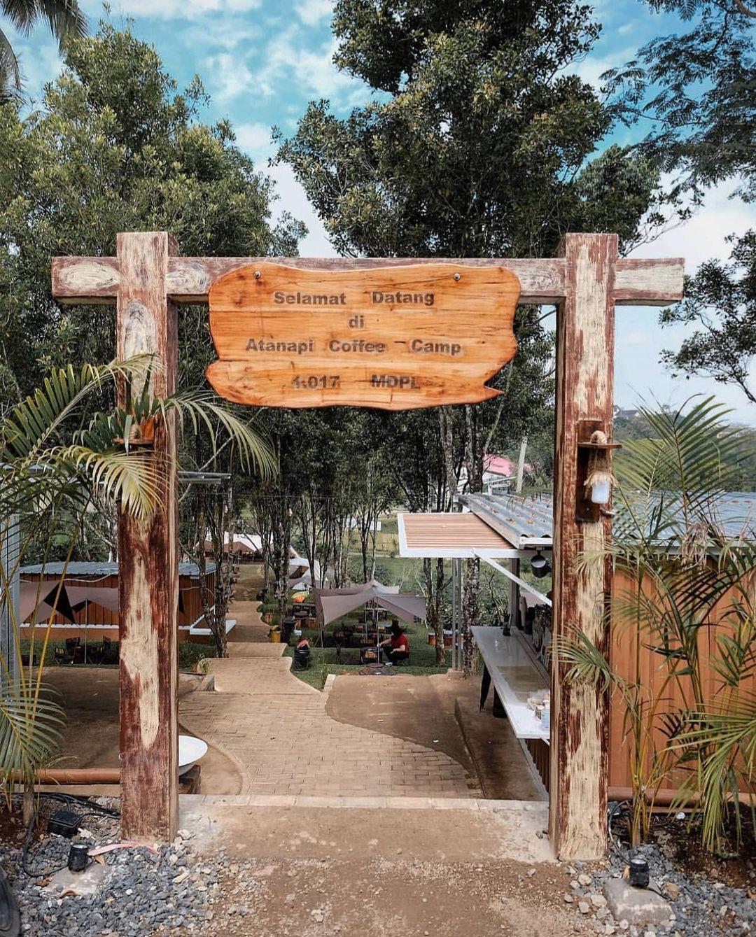 Gerbang Di Atanapi Coffee Camp Bandung Image From @mas_fotokopi