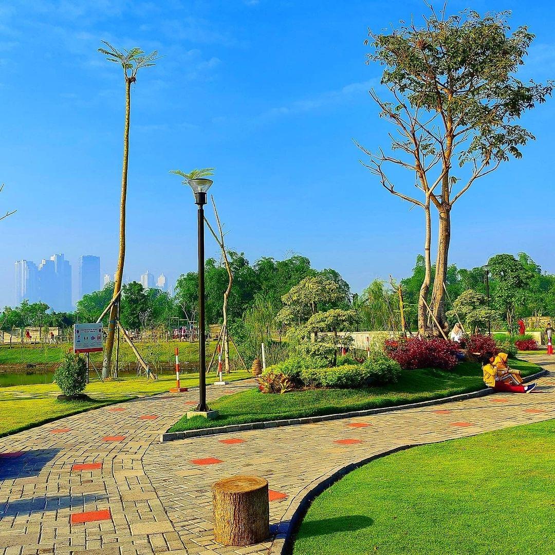 Jalanan Di Graha Natura Park Surabaya Image From @lovesuroboyo