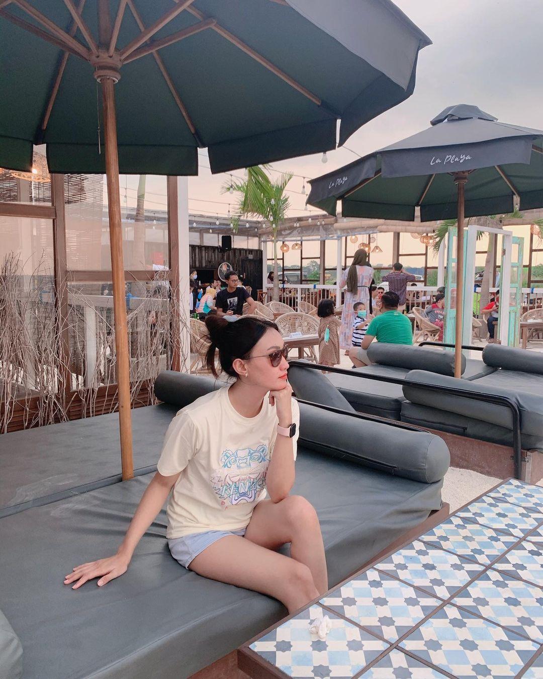 Kasur Di La Playa Cafe Semarang Image From @nindy_pramesty