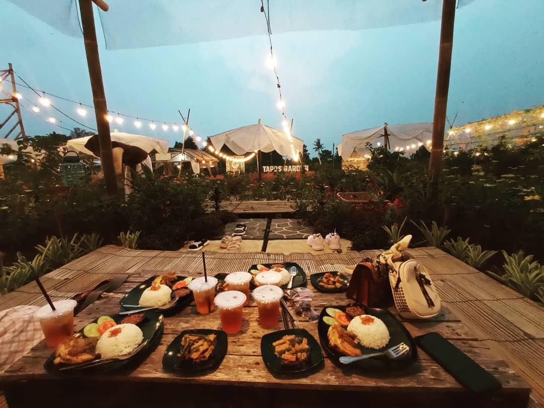 Makan Di Tapos Garden Image From @zahwa_niatuarsya0311
