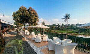 Pemandangan Di Pinggir Kali Coffee Bogor Image From @pinggirkali Coffee
