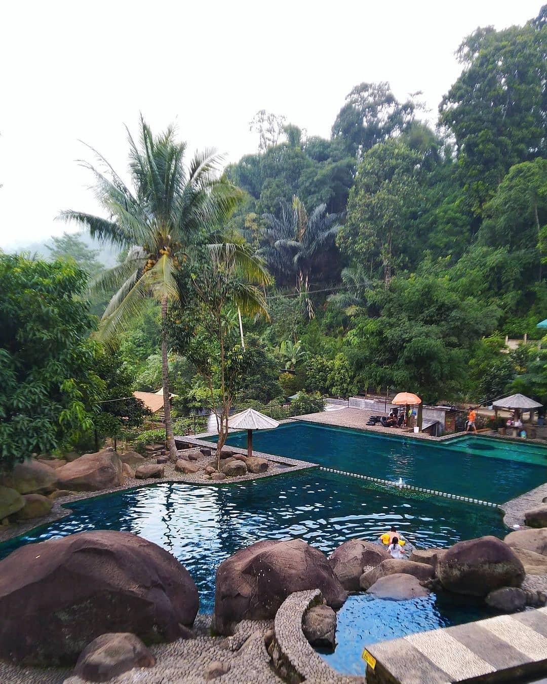 Pemandangan Di Taman Batu Purwakarta Image From @sagustik