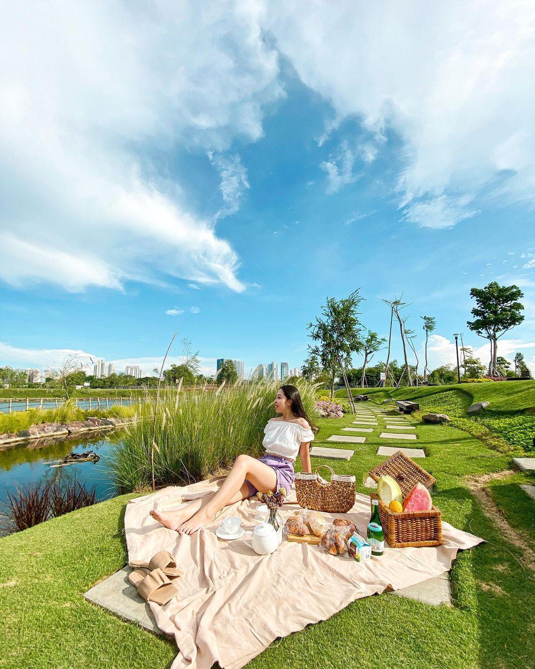 Piknik Di Graha Natura Park Image From @fannyhalimm