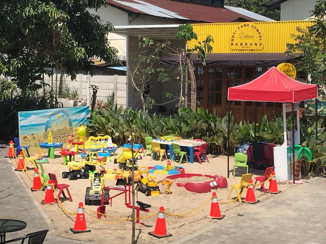 Playground Anak Di Critical 11 Bandung Image From @domdomplayground
