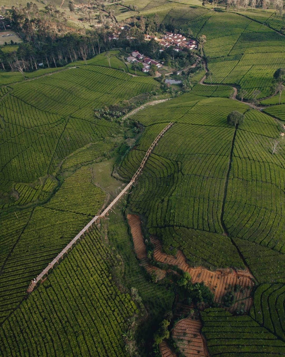 Riung Gunung Bandung Dilihat Dari Atas Image From @sobar_rdn