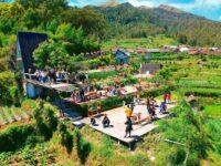 Suasana Pengunjung Di Merbabu View And Cafe Kopeng Image From @nanang_a_e