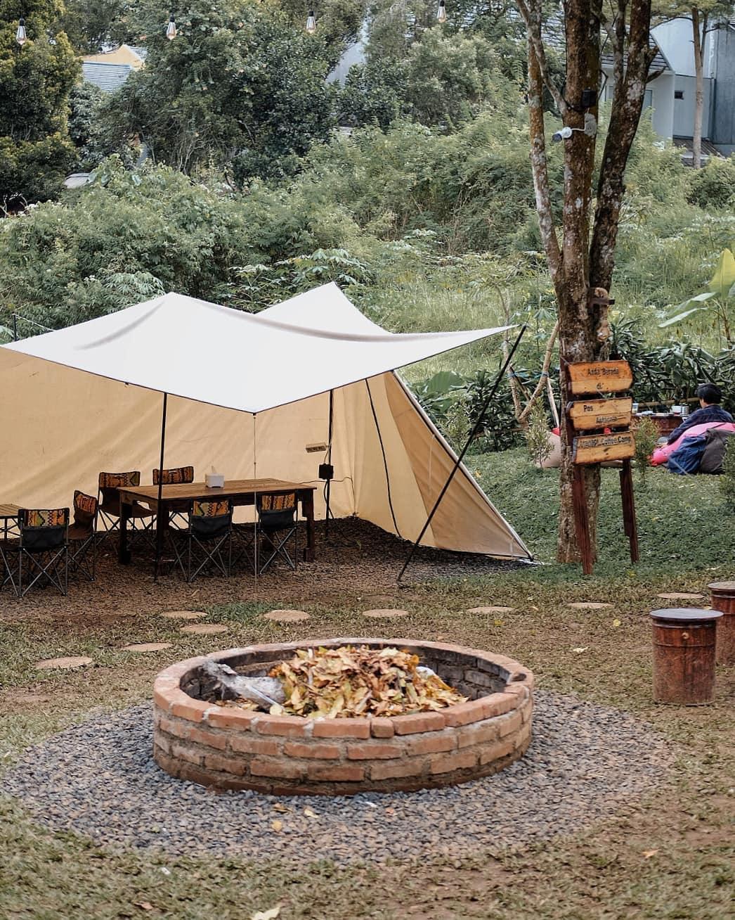 Tempat Api Unggun Di Atanapi Coffee Camp Image From @gemarngopi