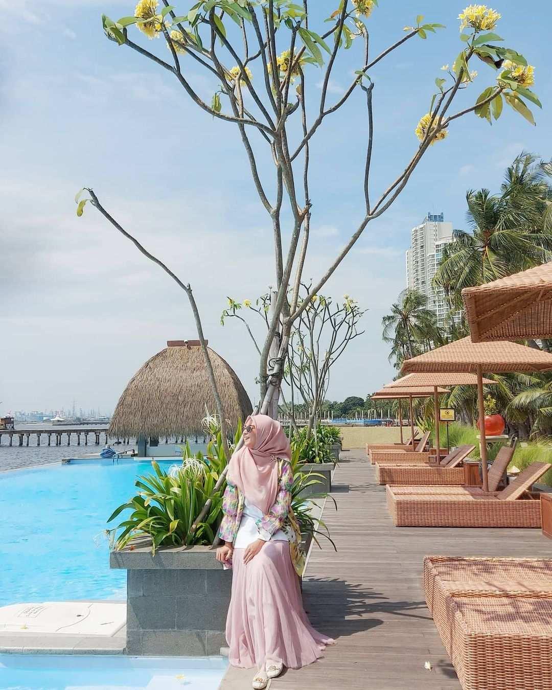 View Kolam Renang Di Nyiur Resto Ancol Image From @indriimanda