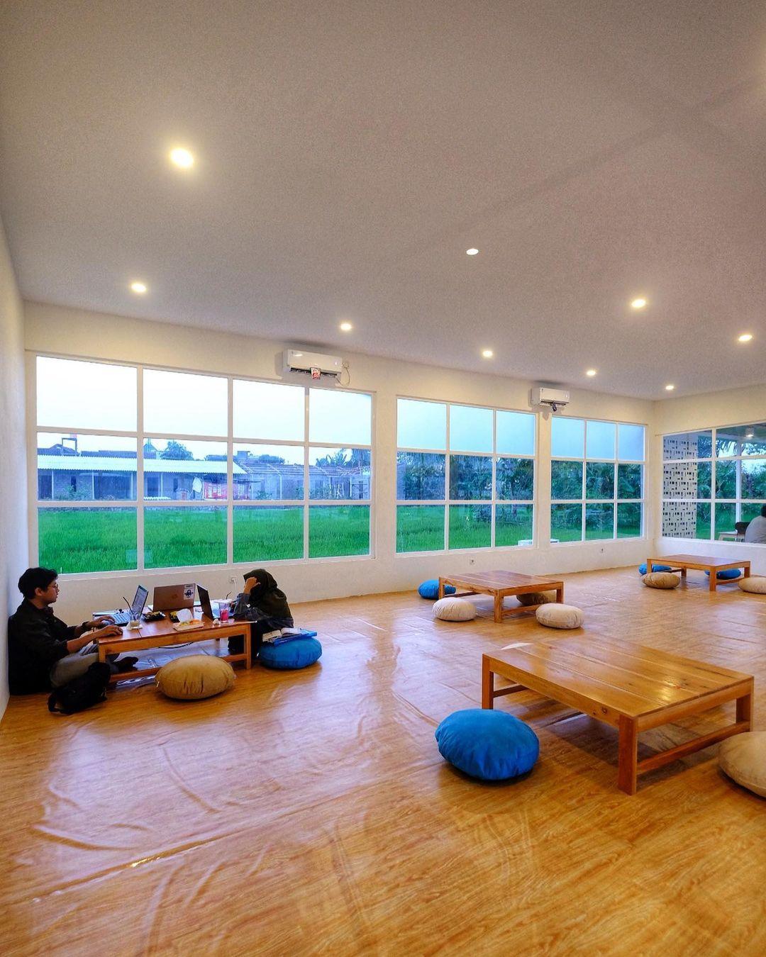 Area Lesehan Nilu Kopi Jogja Image From @jogja24jam