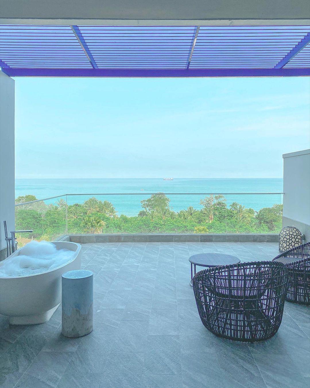 Bathtub With View Di Novus Jiva Anyer Image From @sofyan Jalanjalan