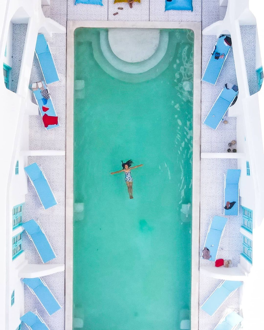 Berenang Di Loccal Collection Hotel Labuan Bajo Image From @discovabali
