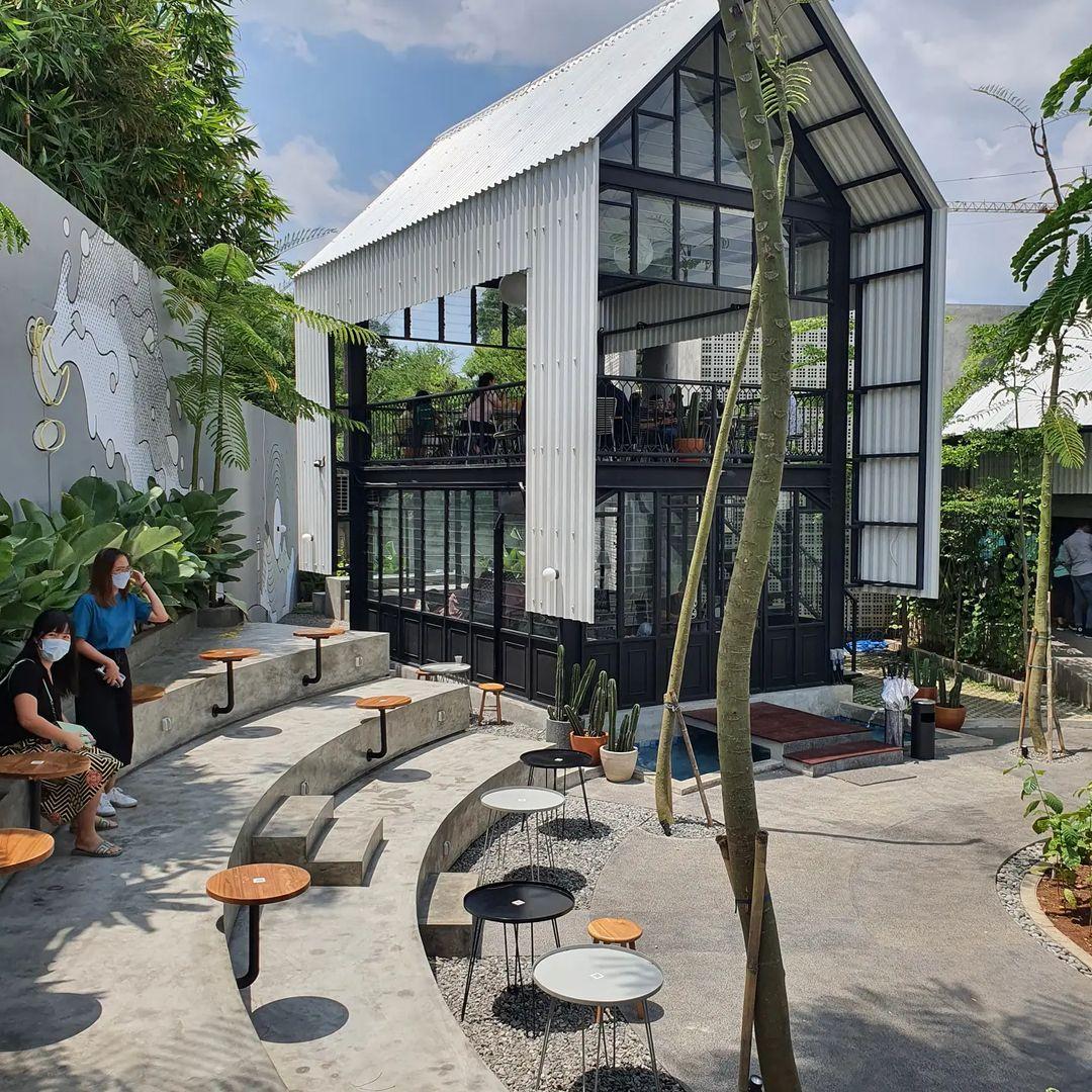 Pengunjung Cafe Kopi Nako Alam Sutera Image From @ngopidi__