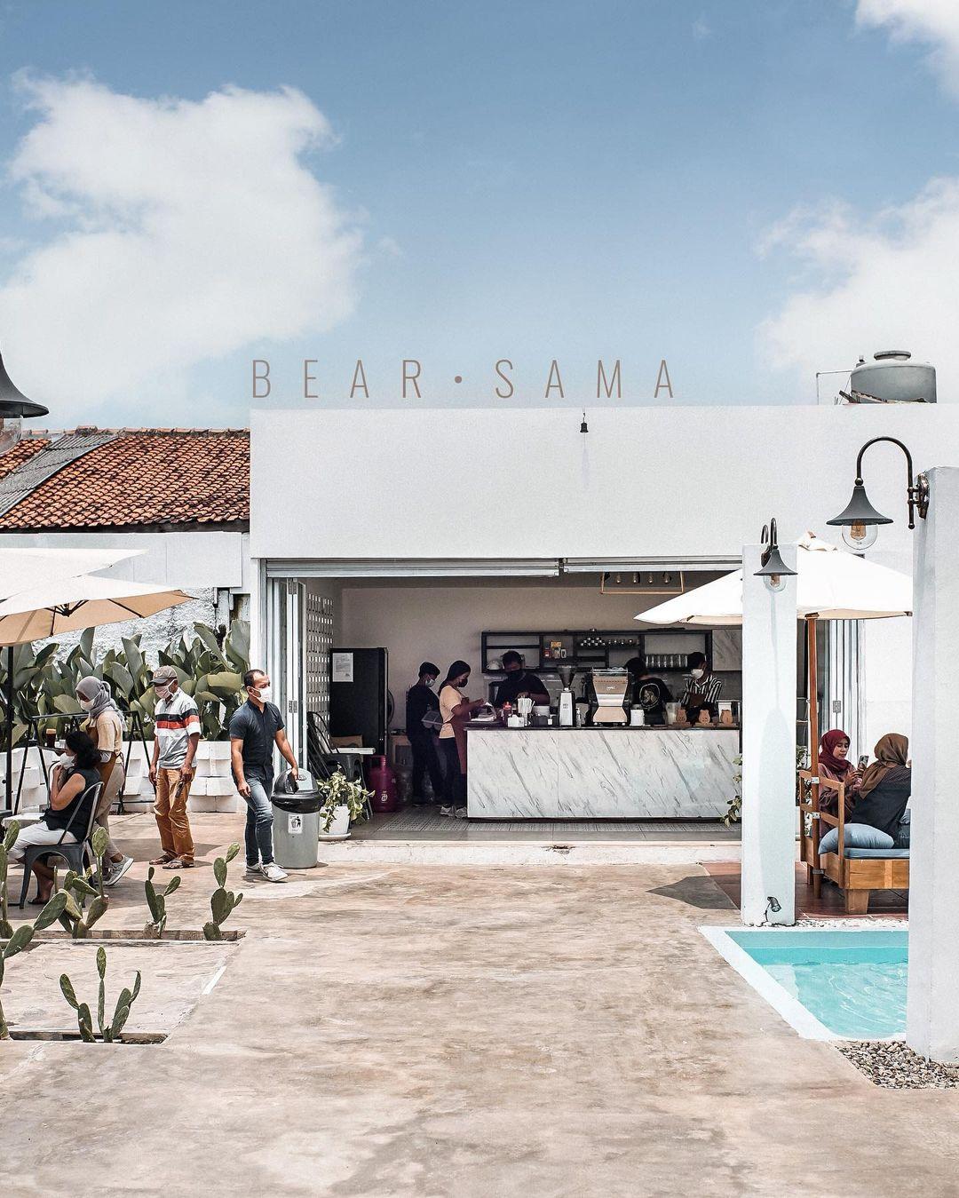 Bear Sama Cafe Meruya Image From @anggatusan