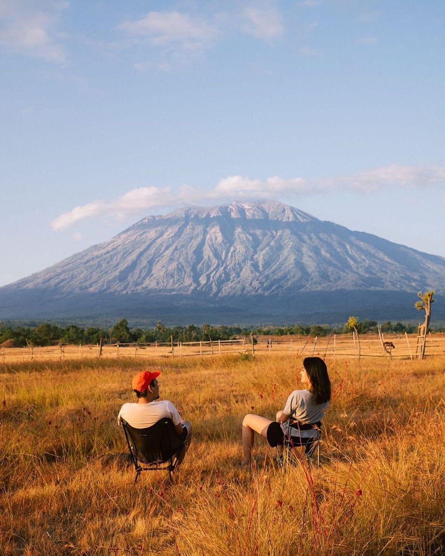Bersantai Di Savana Tianyar Bali Image From @ninanathania