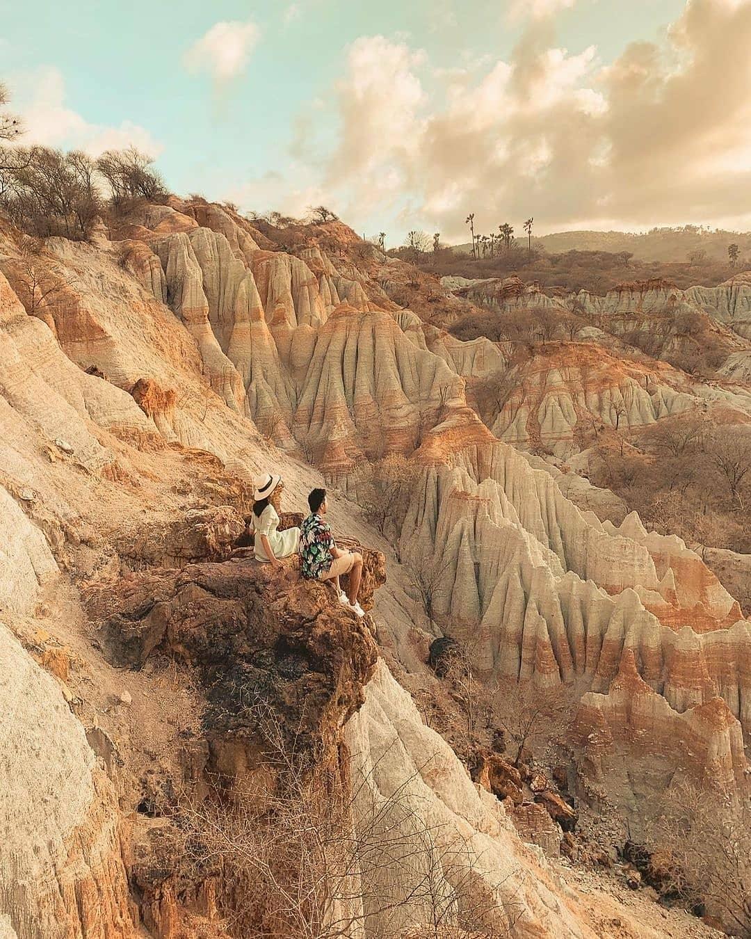 Menikmati Pemandangan Di Klabba Maja Image From @amboreynaldi