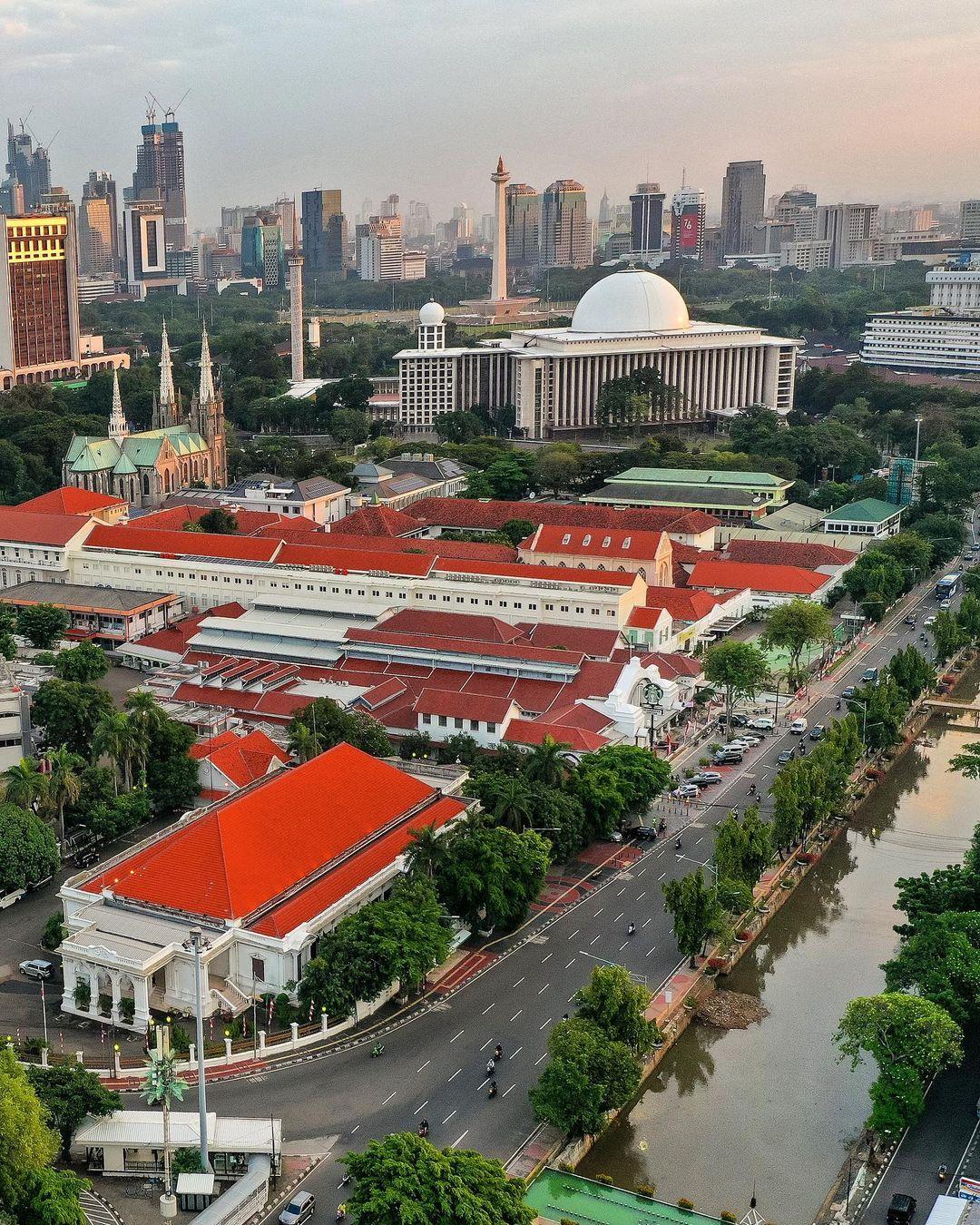 Pos Bloc Jakarta Dilihat Dari Atas Image From @andrearrasuli